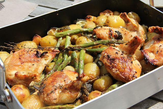 On dine chez Nanou: Un plat bien convivial : poulet roti au vin blanc , pommes de terre nouvelles , asperges vertes et citron