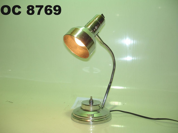 luminária cromada de mesa