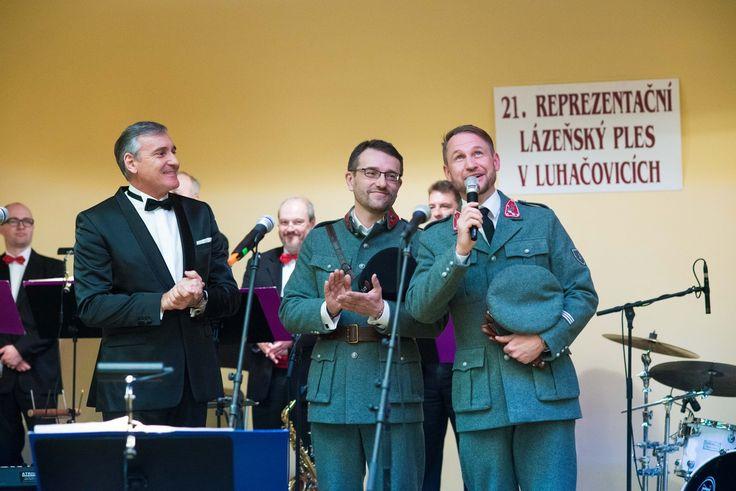 """Tohtoročný 21. reprezentačný ples Kúpeľov Luhačovice bol v znamení """"četníkov"""""""