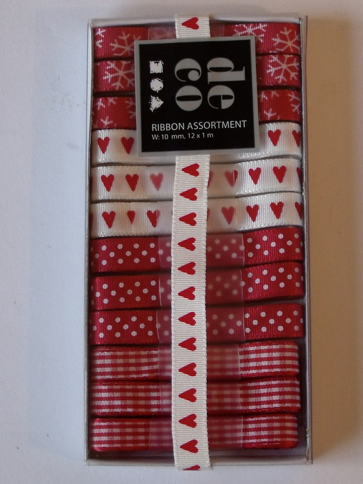 WOODWARE RIBBON COLLECTION - RED AND WHITE -      Box of red and white coloured ribbons with 12 m of ribbon in 1m lengths. 3 of each of the 4 designs.
