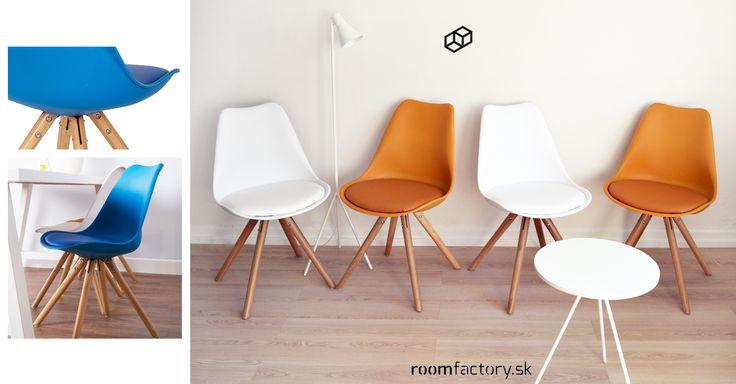 K jedálenským stolom dvoch moderných bytov v Bratislave putujú tieto svieže polypropylénové stoličky PRESS s mäkkučkým podsedákom a nohami z masívneho bukového dreva.