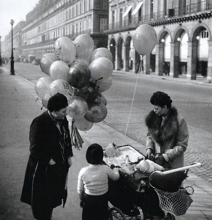 Rue de Rivoli Paris 1947 Robert Doisneau