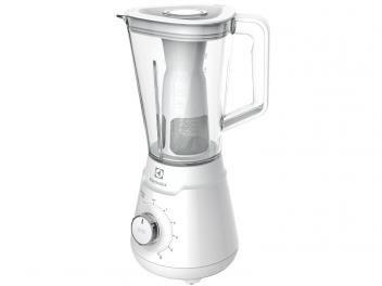 Liquidificador Electrolux Easypower BEB10 - 5. Velocidades com Filtro 600W. O copo é em formato de triangulo e as lâminas são removíveis, o que torna esse liquidificador mais fácil de limpar. Confira no Magazine Mulher Gold