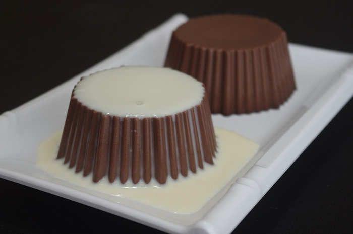 Ilustrasi Gambar Cara Membuat Puding Coklat Dan Fla Vanila Sederhana Puding Coklat Makanan Coklat