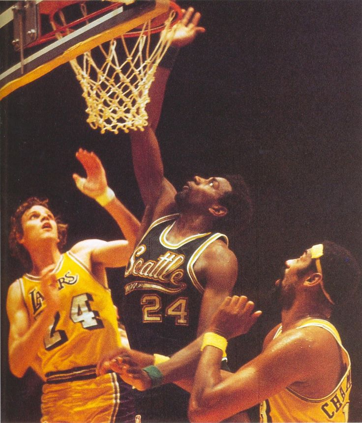 Spencer Haywood 1970/71 Seattle Supersonics over Wilt