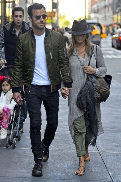 Justin Theroux Photos - Jennifer Aniston and Justin Theroux Together in NYC - Zimbio