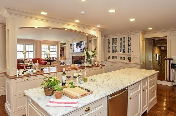 Kitchen islands with pillars wood island marble complex crown molding traditional - Space saving movable kitchen island get efficient kitchen traffic ...