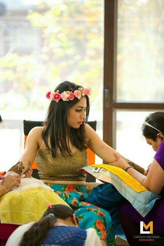 indian wedding photography design%0A Hindu Culture  Bridal Photoshoot  Pakistani Bridal Dresses  Indian Wedding  Photography  Wedding Wear  Wedding Bells  Wedding Bride  Mehendi  Wedding  Albums