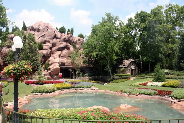 My Dreams of Disney: Epcot World Showcase - Canada Pavilion