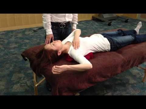 『予約殺到!スゴ腕の専門外来SP3』 肩こり やり方 - YouTube
