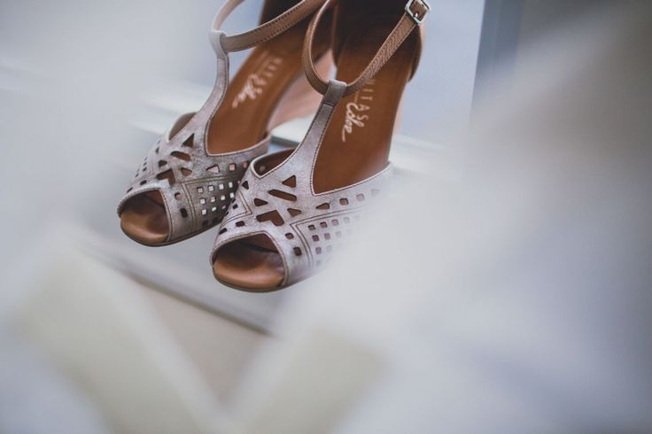 Bride - Wedding Shoes - Getting Ready - Details - Wedding Photographer
