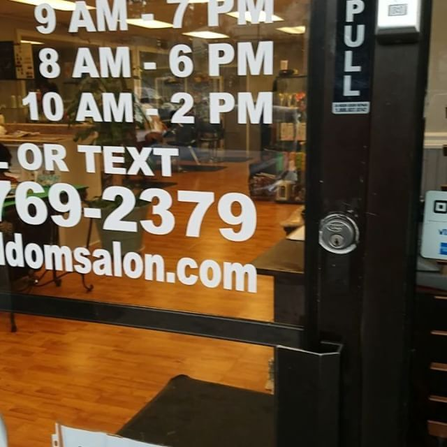 Getting some last minute customers ready for tomorrow! #Kinkyhair #naturalcurls #DominicanSalon #Salon #NaturalHair #Hair #ighair #haircut #dominican #deepcondition #blowout #keratin #braids #marietta #smyrna #smyrnaga #silkpress #press #ighairdaily #hairvlog #hairstyle #cosmetology #haircolor #colorhair #colorstyle #hairigdaily #ighair #instahair http://tipsrazzi.com/ipost/1514145782045963463/?code=BUDU5EFAXTH