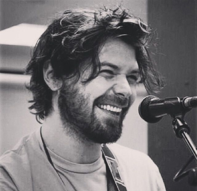 Simon Neil is so damn cute