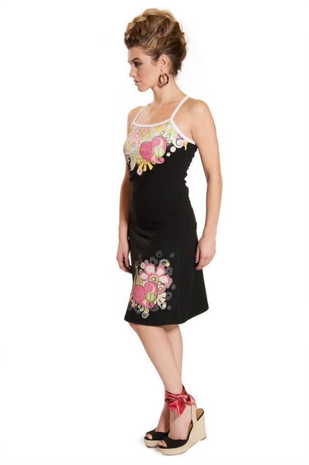 Myco-Anna été 2013. Vêtements designers québécois, vendus dans nos deux boutiques Rouge Canapé. 384 rue Notre-Dame à Joliette, 450 867-4300 et 3656 rue queen à Rawdon, 450 834-1144. Vous pouvez nous suivre sur facebook :)