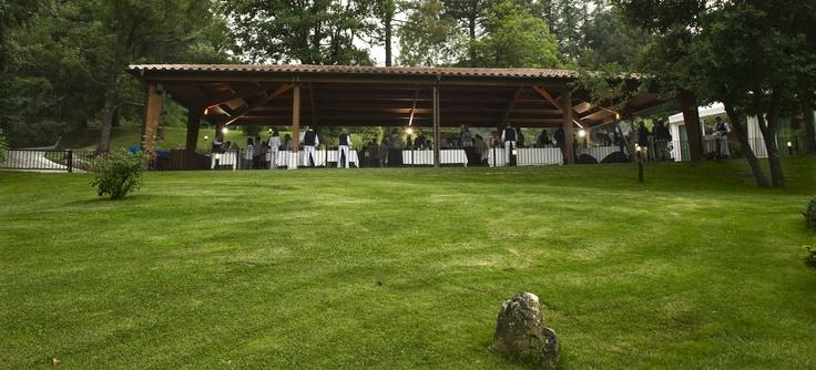 Zona aperitivo salón Garden en el porche #events @Can Marlet http://www.ruralmeeting.com/es/sala/can-marlet-montseny/