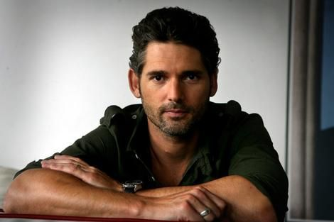 Eric Bana. I once had a prosthodontist (dentis) who looked just like him. Mmmm.... he could be in and around my mouth all day long. (8o)
