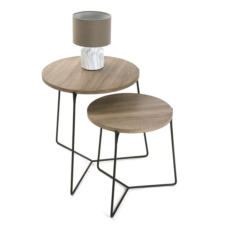 Set de 2 mesas baja en madera natural con base en metal estilo nórdico #mesa #salon #casa #versa | Set of 2 living room table made of natural wood and with metal structure in nordic style #table #living #home #versa