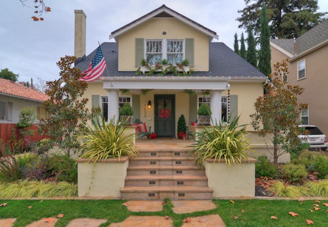 Perfectly Suited: 9 Top-Rated Color Combinations for Your Home Exterior