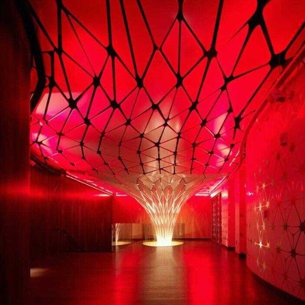 The Conga Room, em Los Angeles, EUA. Projeto do escritório Belzberg Architects. #design #iluminação #light #lighting #lightingdesign #conceito #concept #interior #interiores #artes #arts #art #arte #decor #decoração #architecturelover #architecture #arquitetura #design #projetocompartilhar #davidguerra #shareproject #thecongaroom #losangeles #la #eua #usa #belzbergarchitects