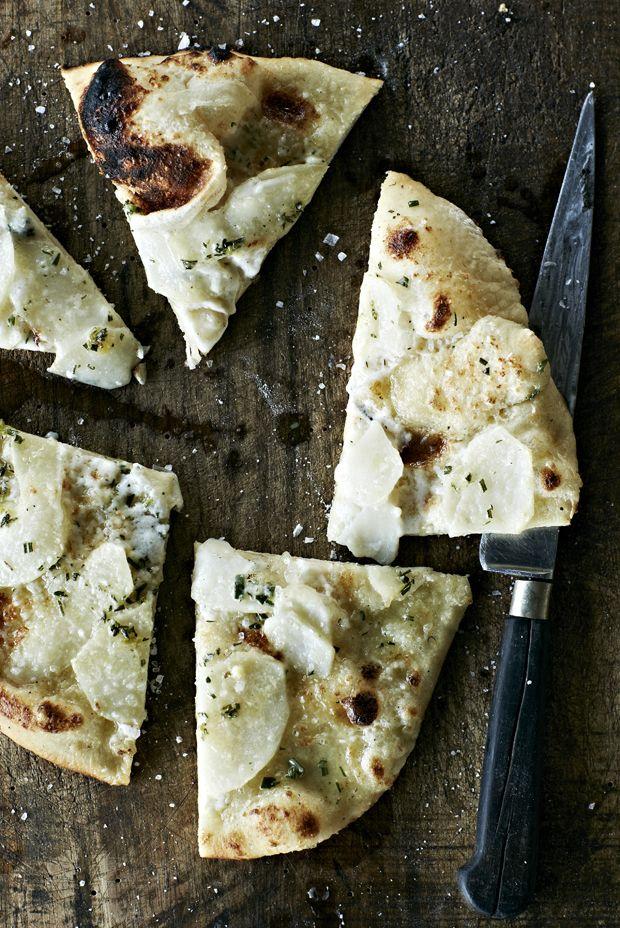 Kartoffelpizza med rosmarin og mascarpone