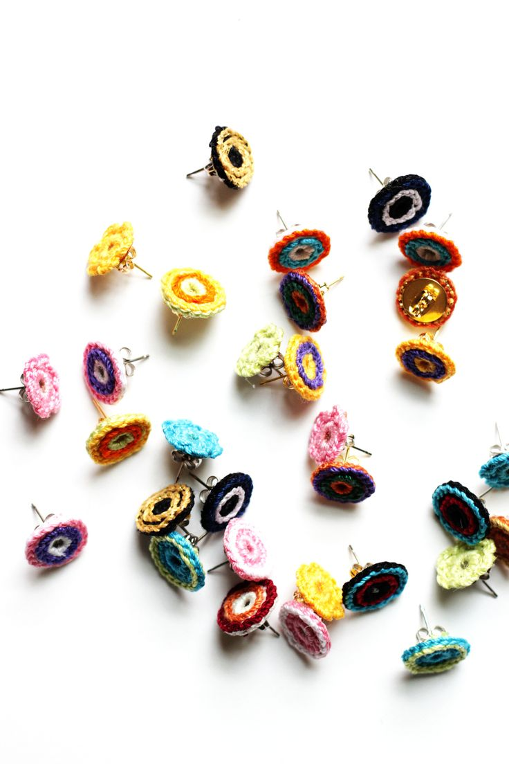 Post Earrings Explosion Inspiracion ༺✿ƬⱤღ  https://www.pinterest.com/teretegui/✿༻