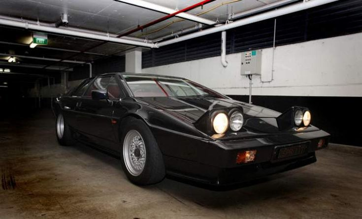 black and gold lotus esprit turbo s2  PROJECT PHOTO An Esprit