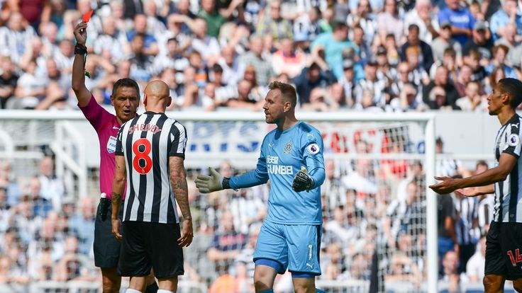 Graeme Souness wants Jonjo Shelvey out at Newcastle for red card  Hes gone from captain to clown in 10 seconds
