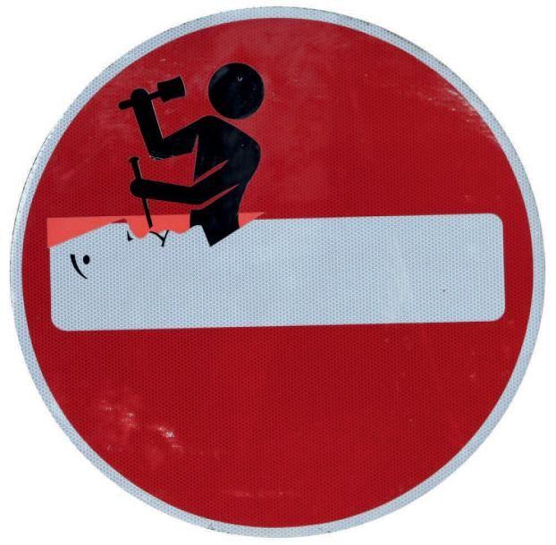 NON VENU CLET ABRAHAM (Français, né en 1966) Sans titre Untitled, 2013 Adhésifs sur panneau de signalisation Vinyl stickers on metal Diam.: 60 cm – 23.5 in  - Digard Auction - 11/06/2014
