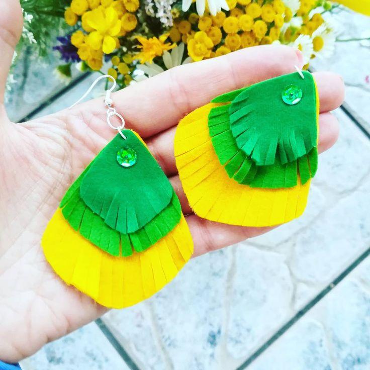 """""""Pawie oczko"""" - handmade'owe kolczyki :)  #kolczyki #kolczyk #earrings #earring #filc #felt #zfilcu #diy #zróbtosam #handmade #rękodzieło #lubietworzyc"""