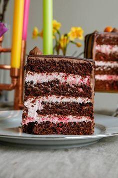 Chokladtårta med hallonfyllning! Hallonfyllning chokladtårta