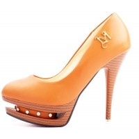 VOGUISH Hit the streets in style with this stunning classy heels.