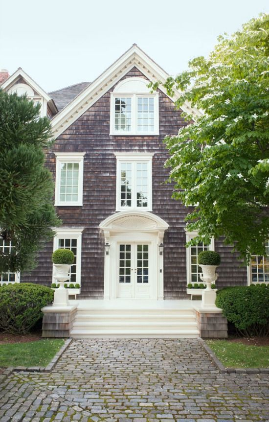 home tour: southampton cottage | bright and beautiful | Chicago Based Fashion and Style Blog