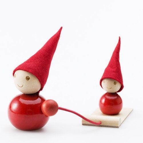 Deze kerstfiguren van Aarikka zijn neer te zetten op de tafel of om op te hangen in de boom. Geef ons deze maar in plaats van de traditi...