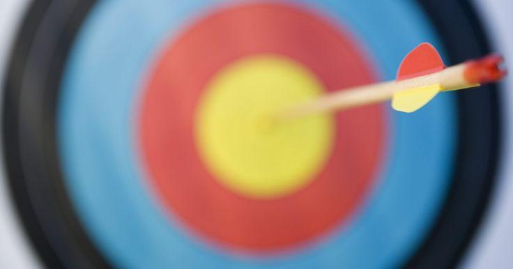 Como instalar mira em um arco recurvo. Miras em arcos recurvos têm se tornado mais populares dentro do tiro com arco, segundo Recurvebowsights.org. A instalação correta de uma mira pode fazer grande diferença na precisão dos tiros. Os três principais tipos de miras para arcos recurvos são a mira de pino, a de anel e a combinação anel e pino. Cada uma delas é acoplada ao arco da mesma ...