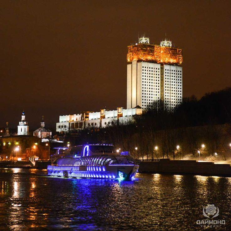 Команда торговой марки Спело-Зрело  провела ежегодное феерическое мероприятие для своих партнеров на яхте Флотилия по Москве реке. www.spelo-zrelo.ru
