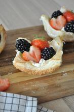 Lekker makkelijk recept! Maak dus snel deze fruitgebakjes!