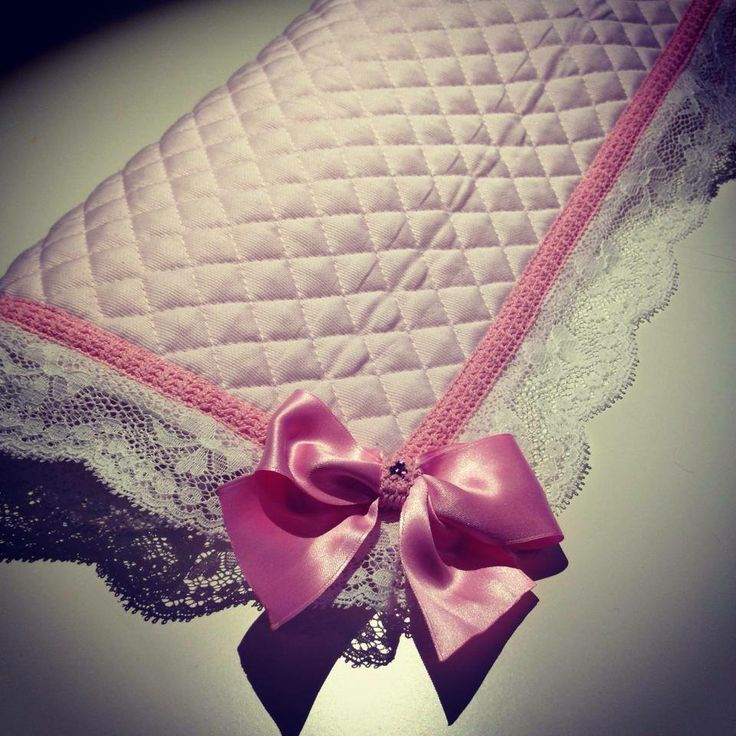 "Detail of our ""Romance mat"" pink version with pink bow <3"