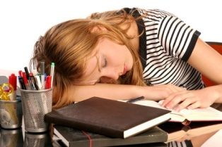 7 Natural Sleep Remedies For College Students