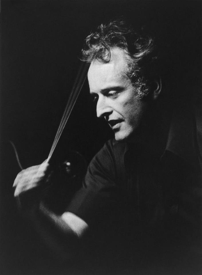 Carlos kleiber 1930 2004 german born austrian conductor for Orchestral house music
