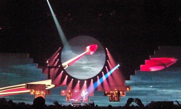escenografia mark fisher,  pink floyd the wall live 2009