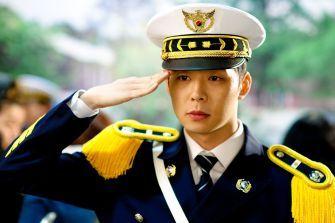 Park Yoo-chun – to sew a button