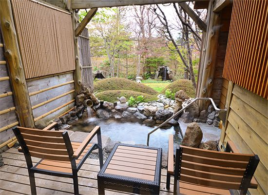 Room with an outdoor hotspring bath|OTARU-KOURAKUEN