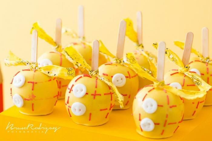 cutest Toy Story themed candy apples