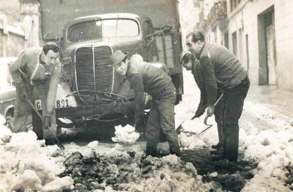 """26-12-1962 """"La gran nevada del 26 de diciembre de 1962 en la calle  Providencia de Barcelona"""""""