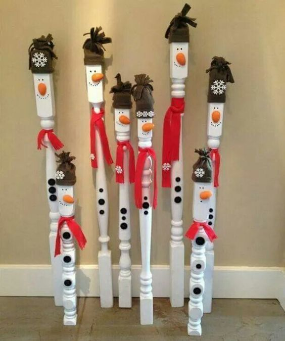 DIY Spindle Snowmen...these are the BEST Homemade Christmas Decorations &…