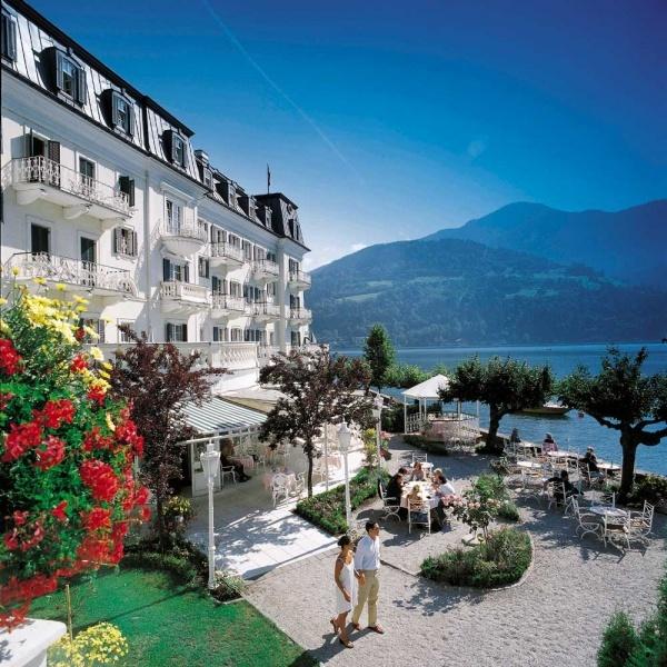 Zell am See, Austria Hier hebben Gerda en ik ooit eens een polonaise gelopen op het nummer da steht ein pferd  in der halle