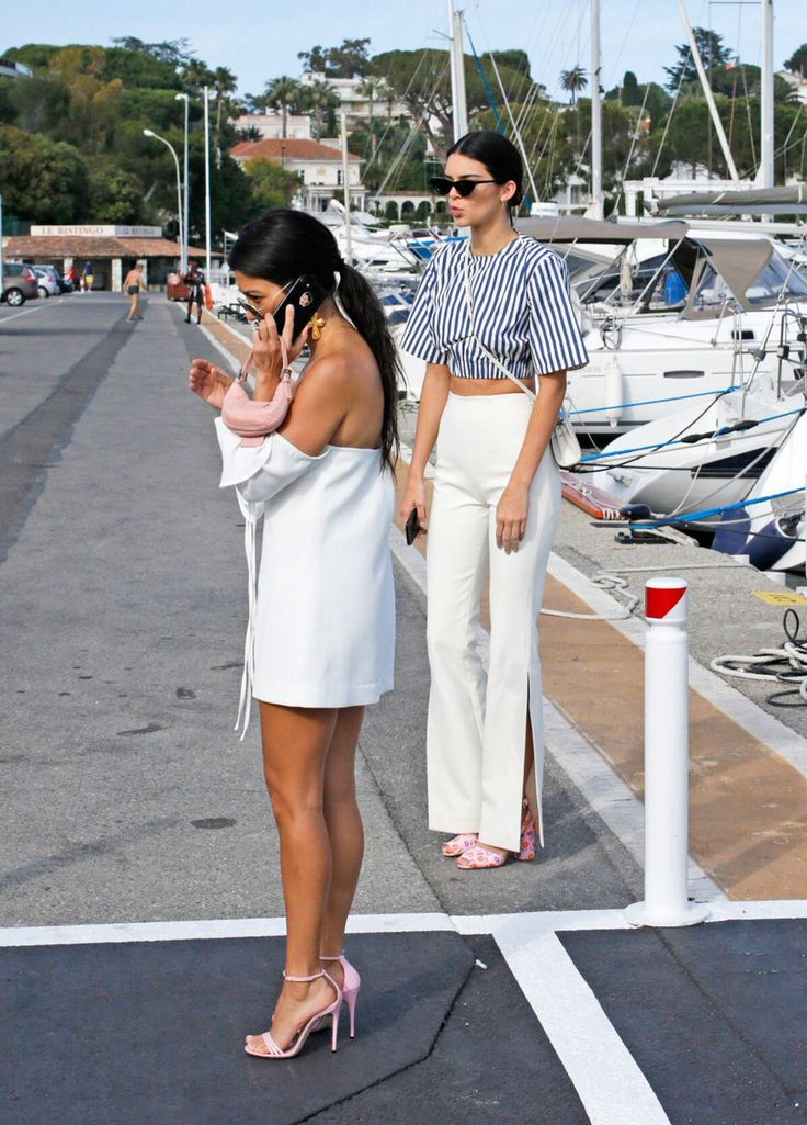 Kendall Updates @kendallkeek  May 23  More   5/23/17: Kendall and Kourtney out and about in Antibes.  http://kendallkeek.com