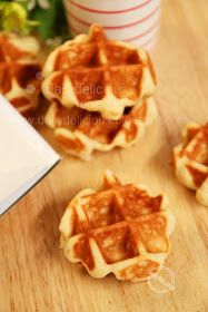 dailydelicious: Easy Belgium waffle: No need to knead, and you still get a delicious waffle!