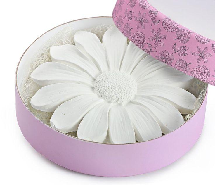 Sevdiklerinizi Mutlu Edecek Yeni Kokulu Taşlar stilimon.com' da... http://goo.gl/X0vGbD