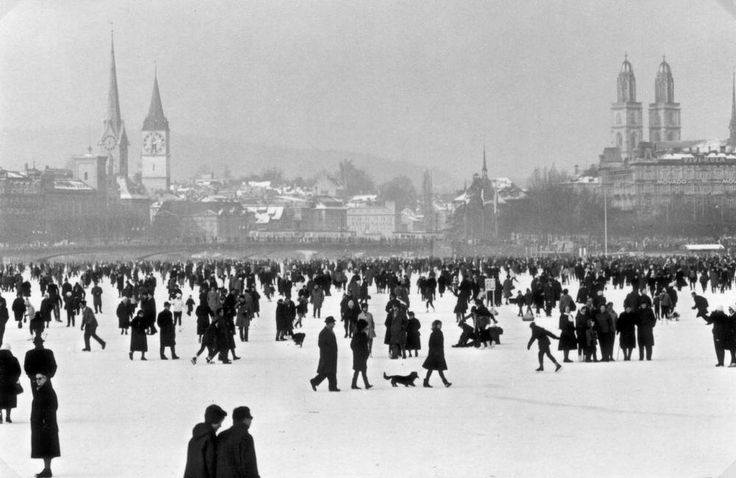 Incredible as it may sound, Lake Zürich with a mass of 3900 km³ can actually freeze over! The records show that since 1233, the lake has been frozen 26 t